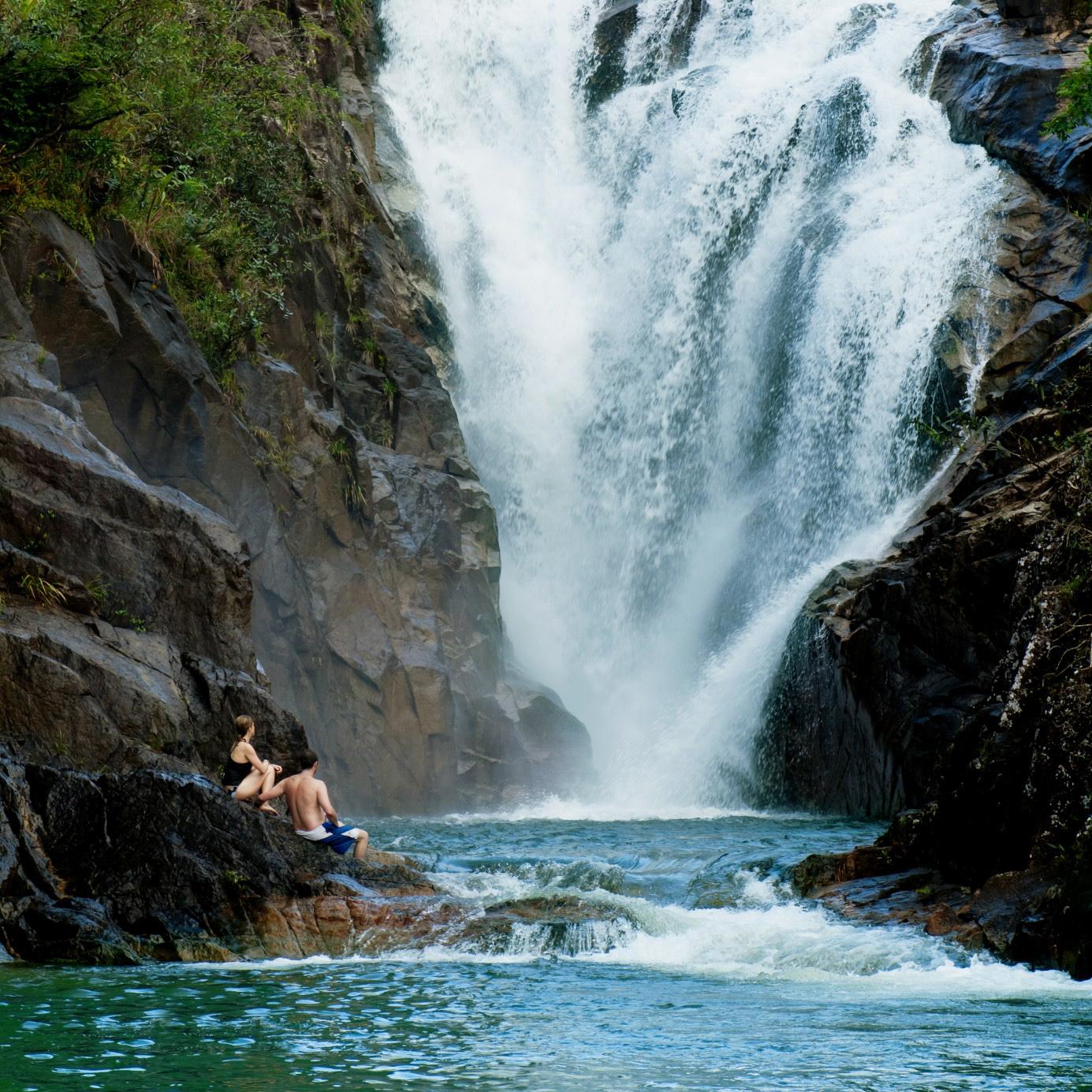 bel09-swimnatural-pools-free