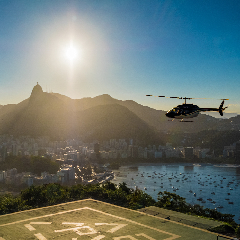 BRA38_helicopter_ride_over_copacabana-free-TP