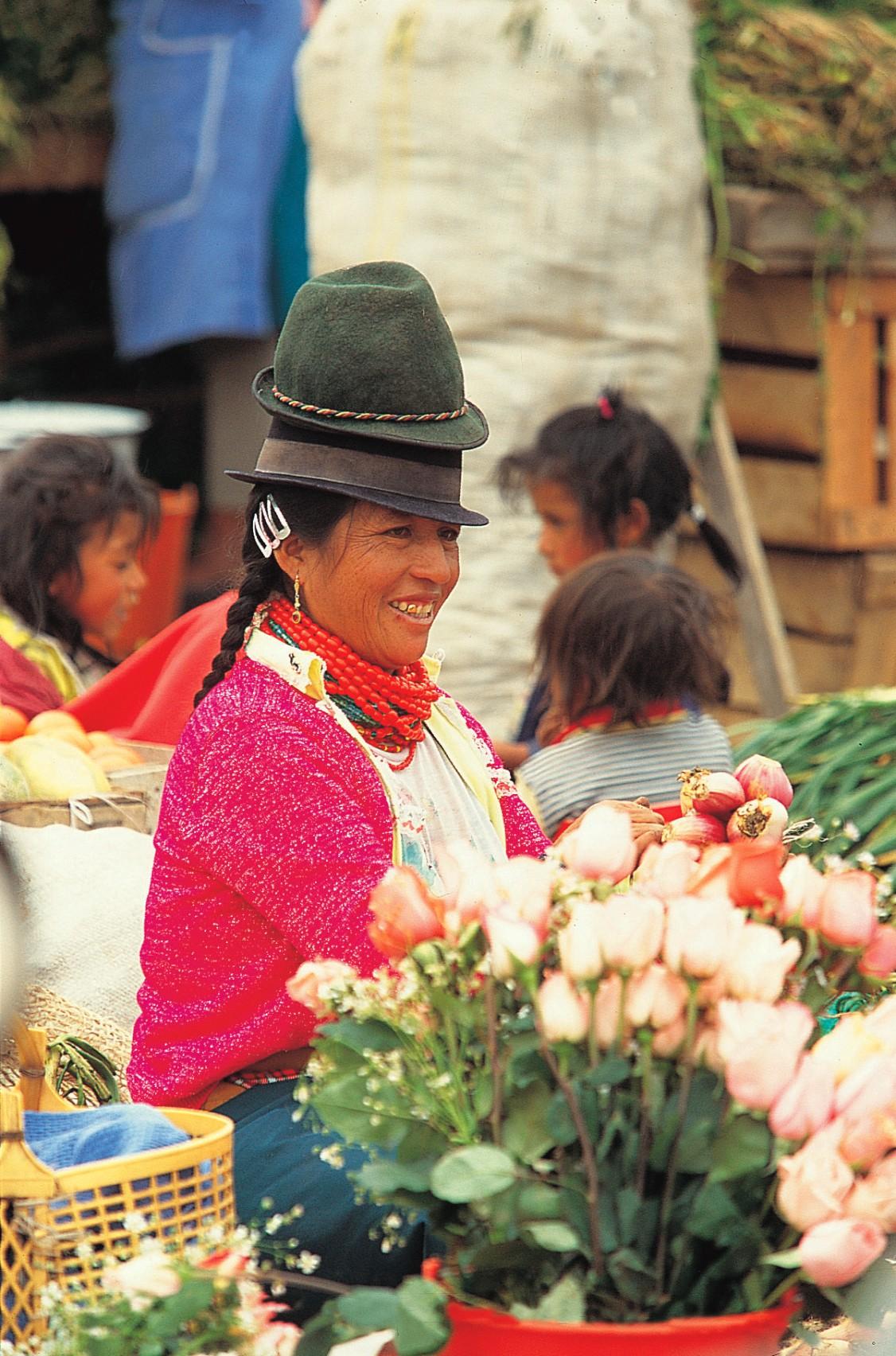ecu06-visit-a-traditional-andean-market-free-metro