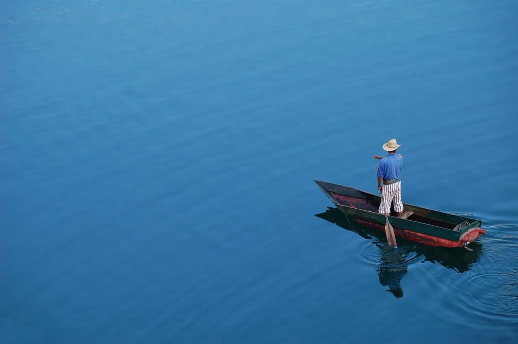 gua08-fish-with-locals-on-lake-atitlan-free