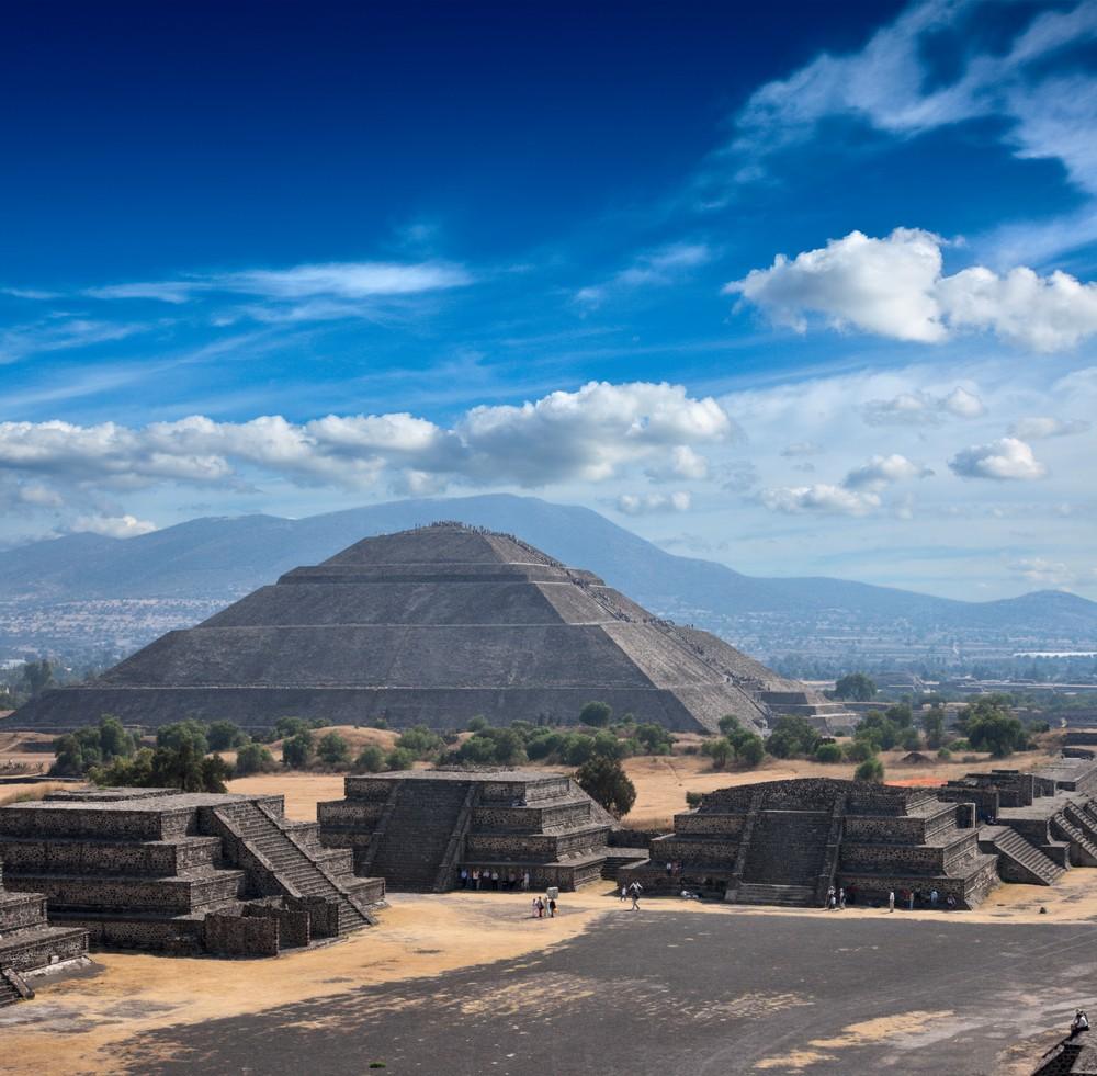 mex-em4-mex11-mex-teotihuacan-free-shutterstock-49130554