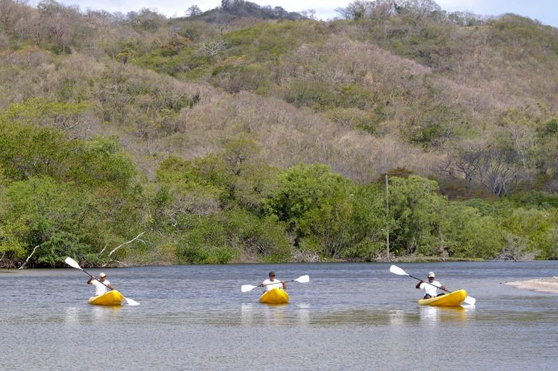 nic07-kayaking-free-morgansrock