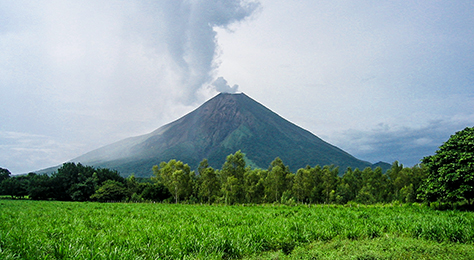 nic10-climb-an-active-volcano-free-ra