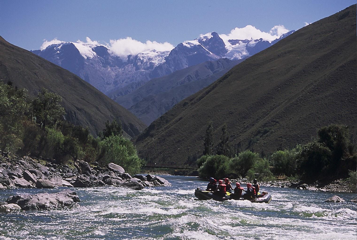 per24-go-whitewater-rafting-free-casa-andina